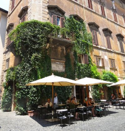 Rome's Bar della Pace faces closure - image 3