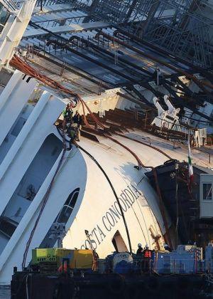 The removal of Costa Concordia starts - image 2