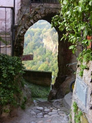 Calcata: The land that time forgot - image 4