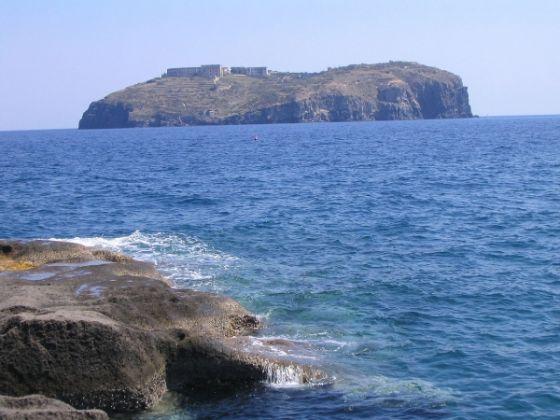 Italian island for sale - image 4