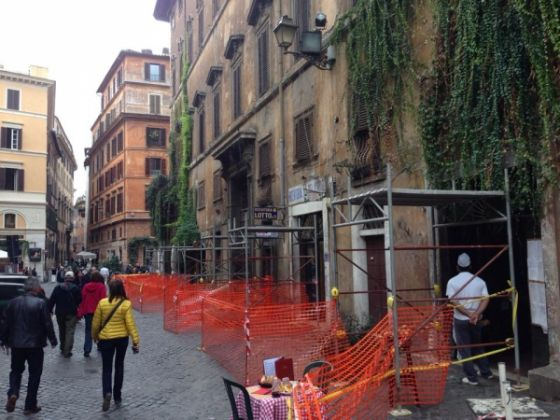 Bar della Pace cordoned off for safety - image 2