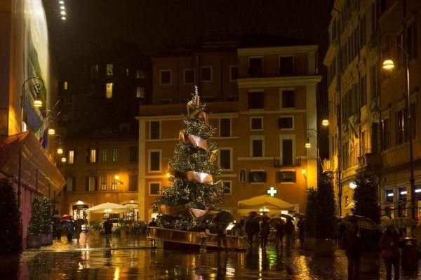 Rome's Christmas trees - image 4