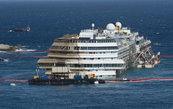 Costa Concordia shipwreck to be moved in June - image 3