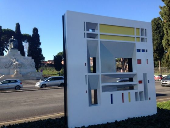 Modern sculpture at Circus Maximus raises eyebrows - image 3