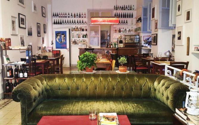 Bukowski's Bar - image 1