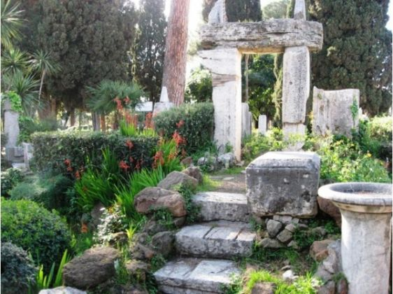 Villa Celimontana park in Rome - image 2
