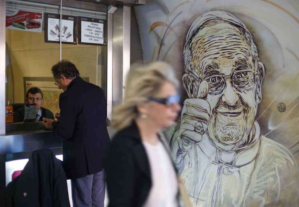 Street art in Spagna metro station - image 1