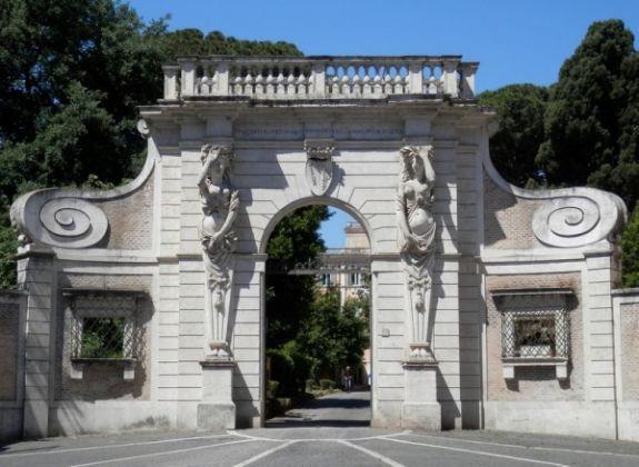 Villa Celimontana park in Rome - image 3