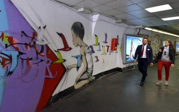 Street art in Spagna metro station - image 3
