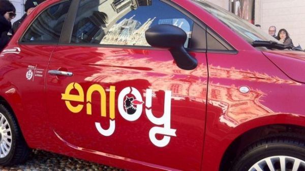 Enjoy cars come to Rome - image 3