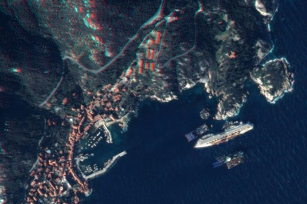 Costa Concordia being refloated - image 2