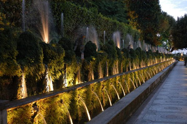 Villa d'Este by night - image 3