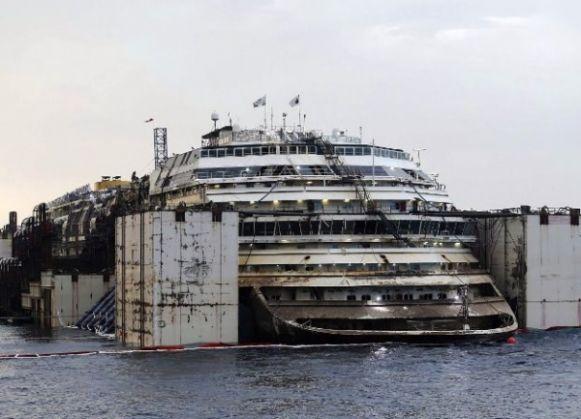 Concordia reaches Genoa - image 2