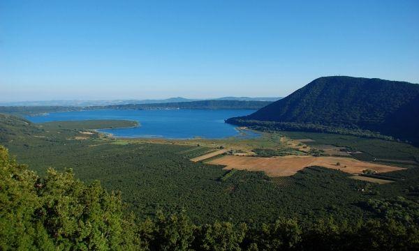 Lake Vico - image 3