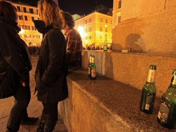 Drinking can be dangerous in Rome - image 2
