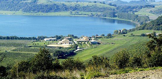 Lake Martignano - image 2