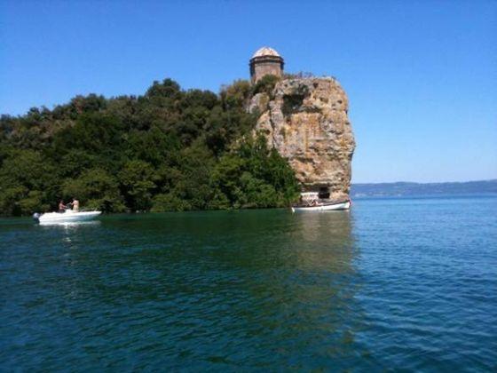 Lake Bolsena - image 4
