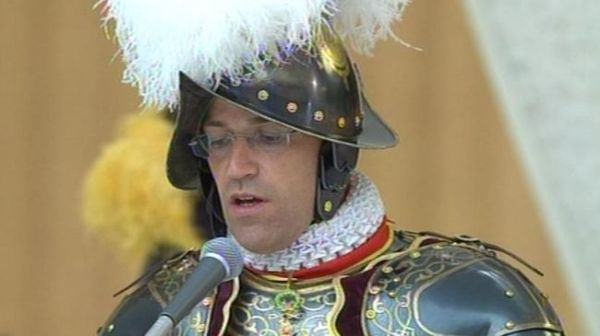 Pope Francis dismisses head of Swiss Guards - image 2