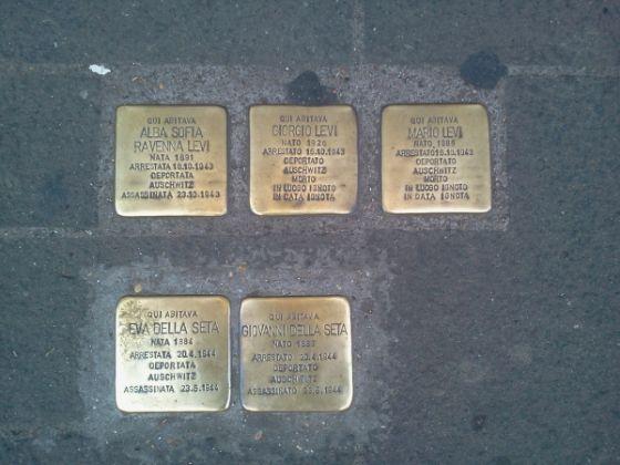 The stumbling stones of Jewish memorials - image 4