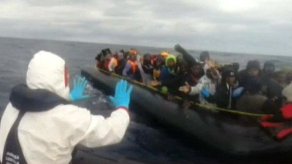 Italy rescues more than 2,000 migrants - image 4