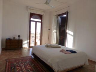 Top Floor 2-bedroom Attico w/terrace in Monteverde Vecchio - image 4