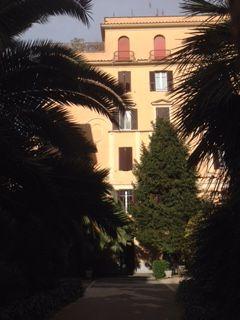 Top Floor 2-bedroom Attico w/terrace in Monteverde Vecchio - image 5
