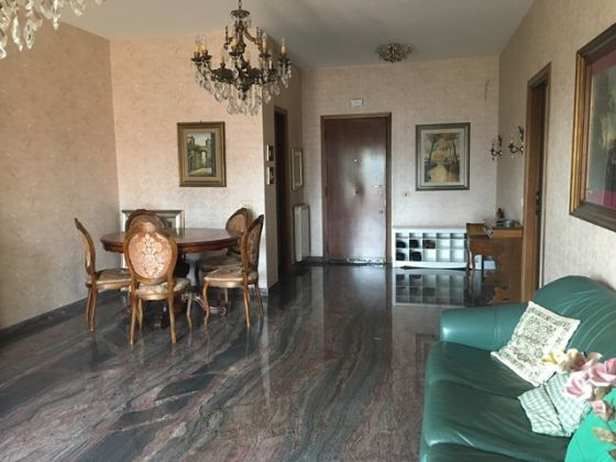 4-bedroom apartment w/terrace in gated community - image 1
