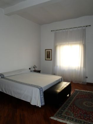 ESQUILINO BEUATIFUL REMODELED 3-BEDROOM FLAT - image 4