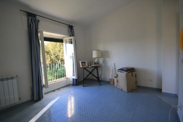 3-bedroom flat in the EUR countryside - image 10