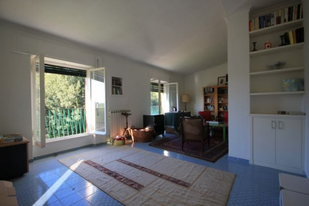 3-bedroom flat in the EUR countryside - image 4