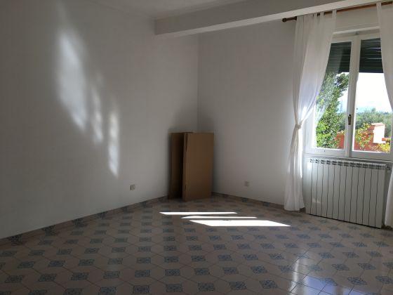 4-BEDROOM VILLA OVERLOOKING ROMAN HILLS - image 8