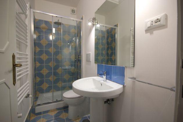 4-BEDROOM VILLA OVERLOOKING ROMAN HILLS - image 11