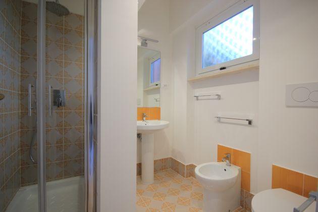 4-BEDROOM VILLA OVERLOOKING ROMAN HILLS - image 10