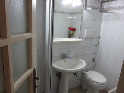 Manzoni Area - Basement Apartment - image 8