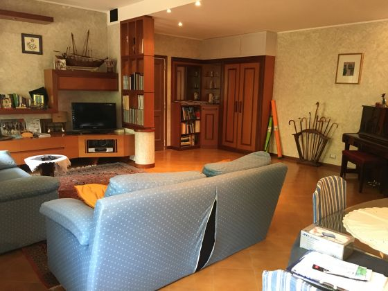 APPIAN WAY - 3-BEDROOM FLAT RENTING FURNISHED - image 3