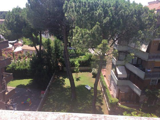 1-bedroom penthouse near Villa Borghese - image 3