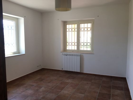 2-bedroom flat in countryside near St. George's - image 8