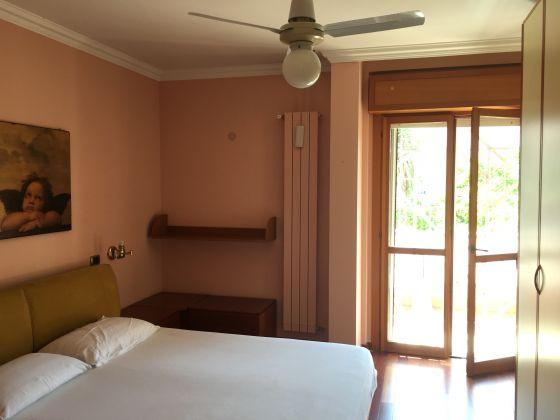 Elegant remodeled 2 bedroom villetta in Acilia - image 6