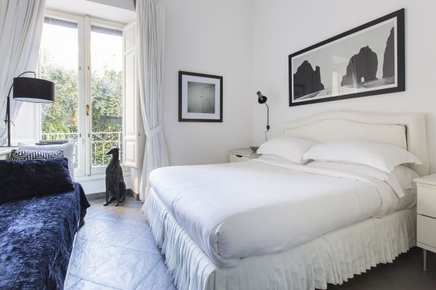 Onefinestay sophisticated 3 bed apartment near Colosseum - image 3