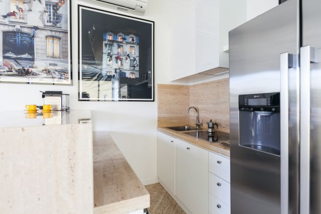 Exceptional 3 bedroom apartment with roof terrace near Piazza Venezia - image 6