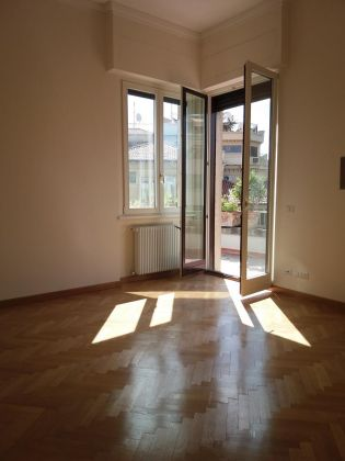Parioli nice attico - image 6