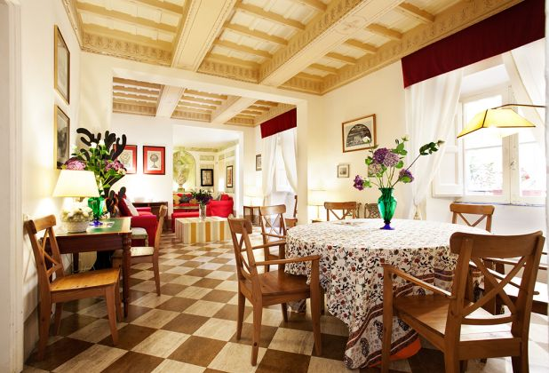 Elegant apartment 2 bedrooms, 2 bathrooms and huge living room in Spanish Steps area - image 1