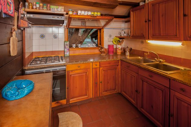Charming and cosy wooden cottage for sale - image 14