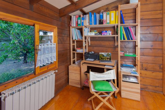 Charming and cosy wooden cottage for sale - image 13