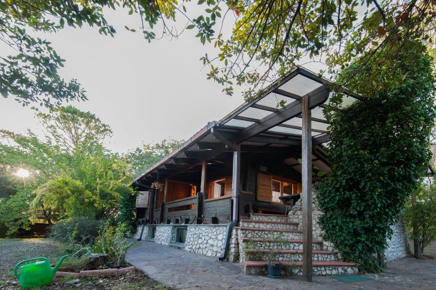 Charming and cosy wooden cottage for sale - image 2