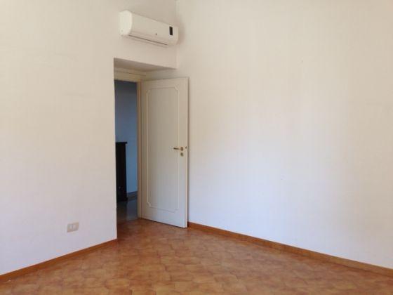 3 BEDROOM GARBATELLA COLOMBO - image 4