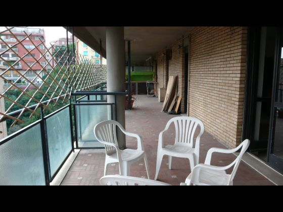 TRASTEVERE - LARGE 3 BEDROOM APARTMENT WITH TERRACE - image 4
