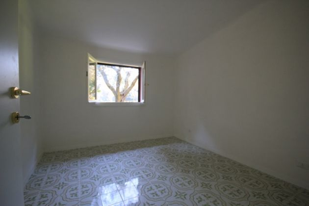 Cozy 1-bedroom villa in gated community - image 6