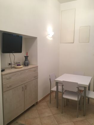 1-bedroom remodeled flat Monteverde Vecchio - image 4
