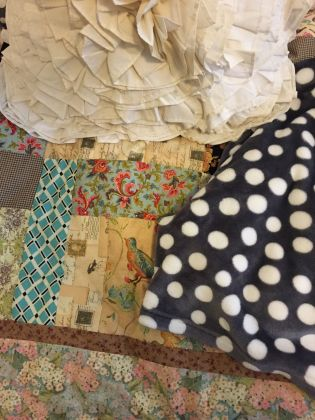 Lot of twin bedding and other household items - image 1